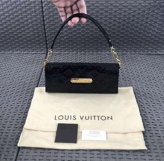 Louis Vuitton pochette vernis monogram LV bag