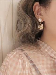 日系森系太陽臉珍珠原創自制搞怪設計感感耳環配飾