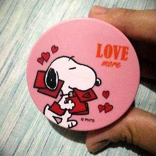 Innisfree x Snoopy No Sebum Mineral Powder