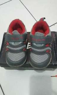 Sepatu Little M