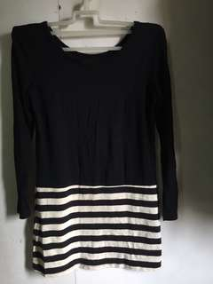 Black & White Longsleeves dress ( P R E L O V E D)