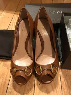 Gucci brown leather heels size 6