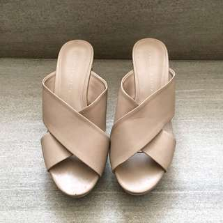 Charles & Keith nude Wedges