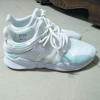 🚚 愛迪達EQT 海洋之心運動鞋