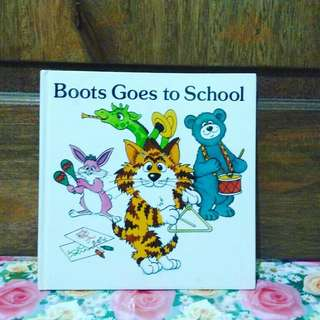Boots goes to school