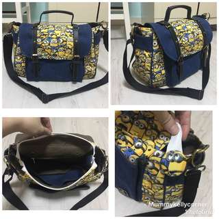 Minions sling bag