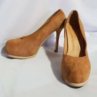 Authentic YVES SAINT LAURENT YSL Suede Pumps Size 40