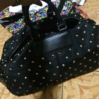 Gym bag with studs