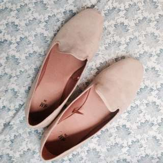 H&M Skin Tone Flats / Shoes (Size 39)