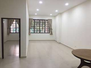 For rent 3 Bedrooms Apartment