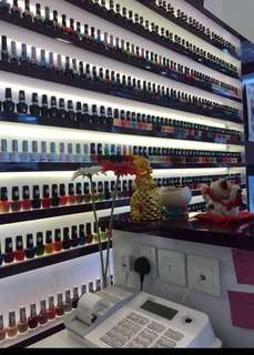 nail salon for take over