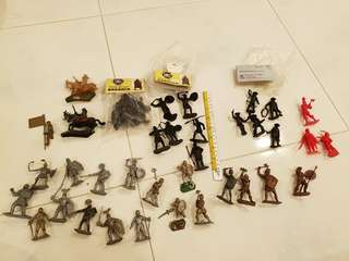 Vibtage Lot of 54mm ir 60mm plastic toy soldiers