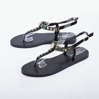 !!!!限時特價!!!! [ METIS ] 丁字黑鉚釘涼鞋