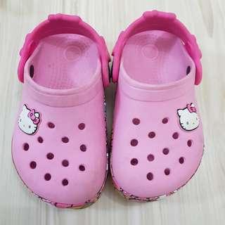 Preloved Crocs Hello Kitty size 9