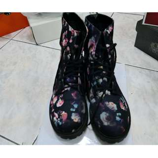 日本帶回超美花卉彩繪彩印綁帶平底軍靴騎士靴短靴踝靴裸靴40號25號