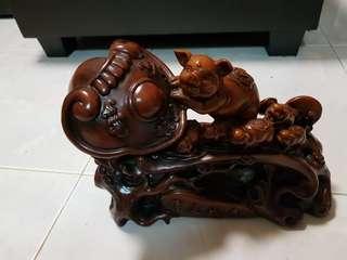 如意猪 - 30cm by 36cm