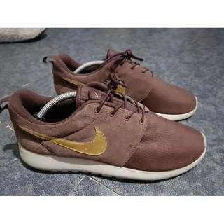 Nike Roshe One Suede Mahogany/ Metallic Gold-Light Brown