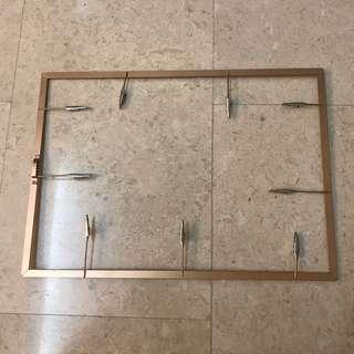 Photo clip / hanger display frame