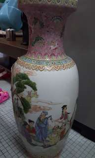 Chinese Vase >50 years (Hand painted)