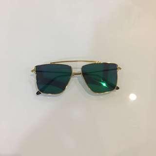 Blue green lens sunnies