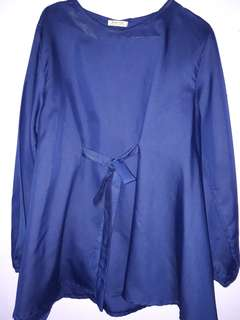 #mausupreme Navy blouse
