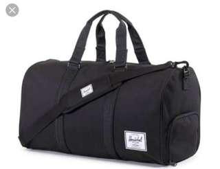 Herschel Novel Duffle bag in Black