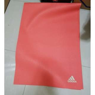 Adidas Yoga 專業訓練瑜珈墊-4mm(紅色)只用了一次