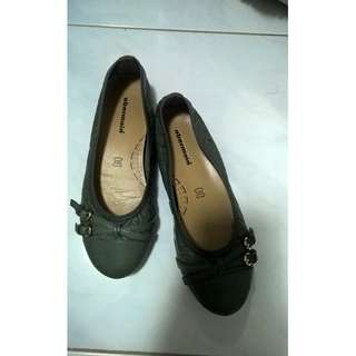 Obermain Sepatu