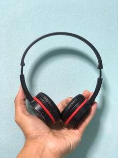 Creative Outlier Headphones