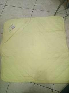 Bedong bayi yellow