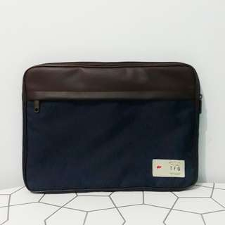 Taylor Fine Goods Laptop Sleeve Keeper Blue Fits 13-15 inch