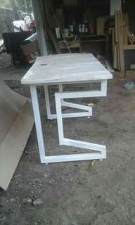 Customize Laminated Table