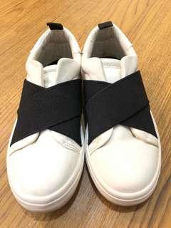 ✨ZARA皮革休閑鞋