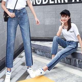 淺藍色牛仔褲