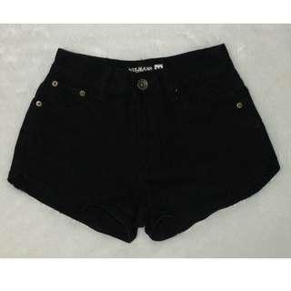 Punny Highwaist Black Shorts
