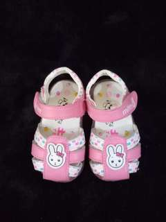 Pre-loved Bundle: 2 pairs Baby Sandals for girls (size 13/13.5cm)