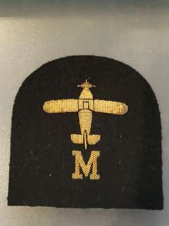 Another unknown badge but believed to be German pilot arm patch.