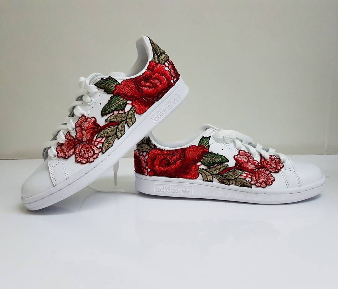 sneakers for cheap 382d6 12a7b Adidas Stan Smiths Flower Bomb (AUTHENTIC), Women's Fashion ...