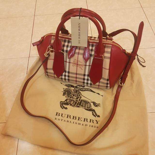 Burberry💯% Authentic Small Blaze Tote Haymarket Panel, Luxury, Bags    Wallets on Carousell 5627d35eb4
