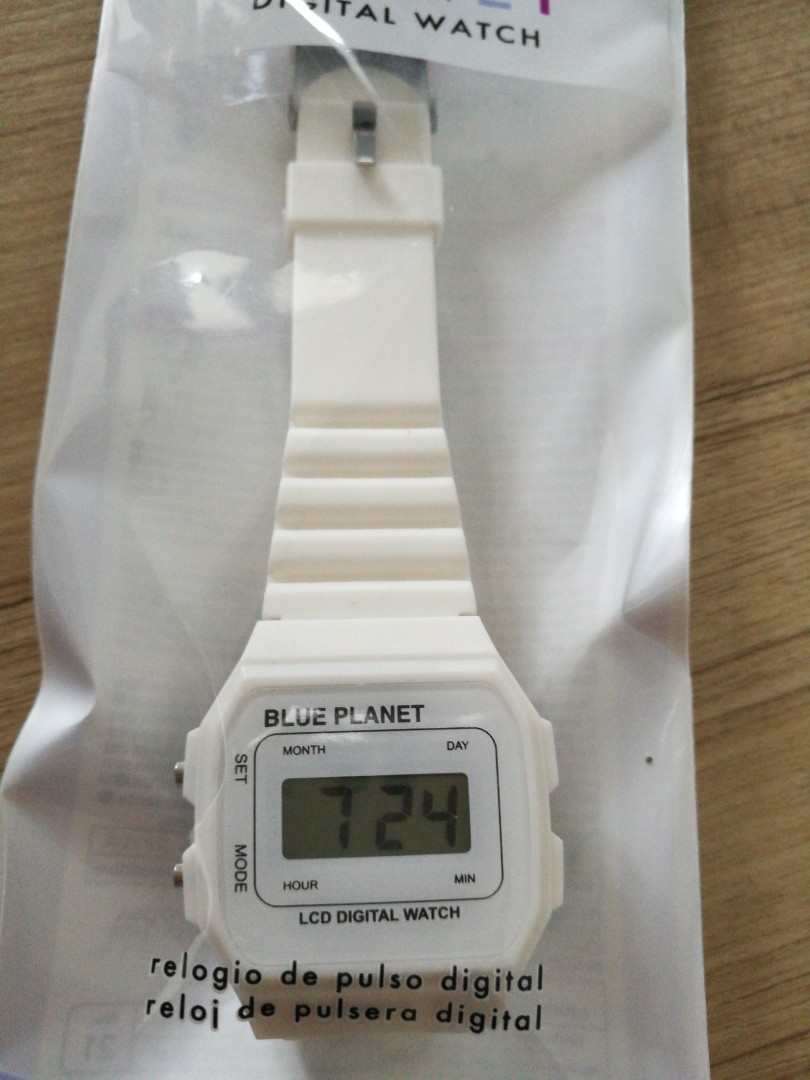Daiso Digital watch white men woman kid children boy girl electrical ... 06fcd71731
