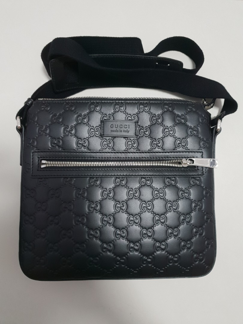60477212b Gucci Signature Messenger, Luxury, Bags & Wallets, Sling Bags on ...