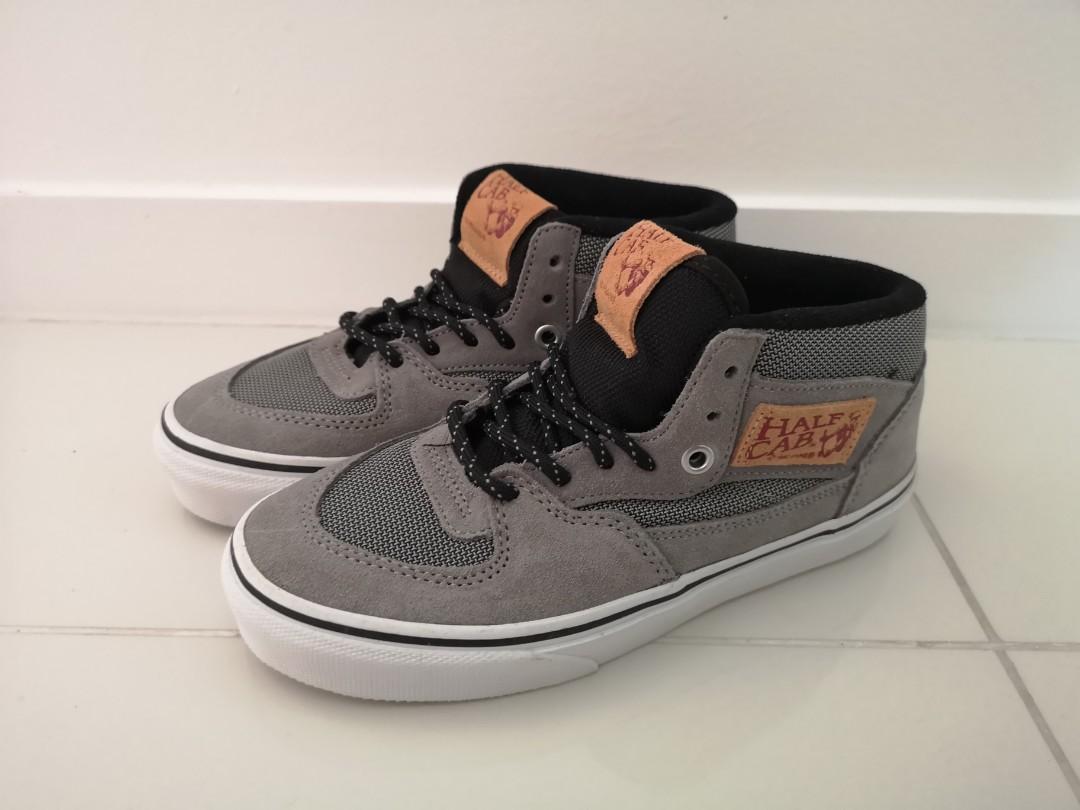 09562bca1d2138 Kids Vans Half Cab Shoes - 23cm