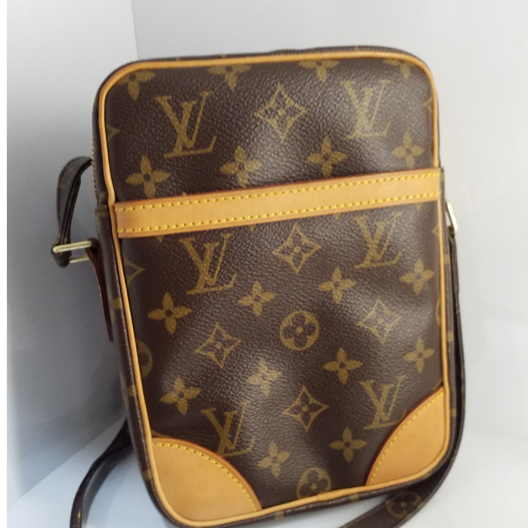 a2fb773aa85d Louis Vuitton Sling Bag selling at  500 only!