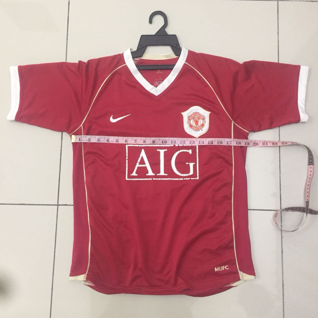 on sale 129fb 648d7 Manchester United Jersey