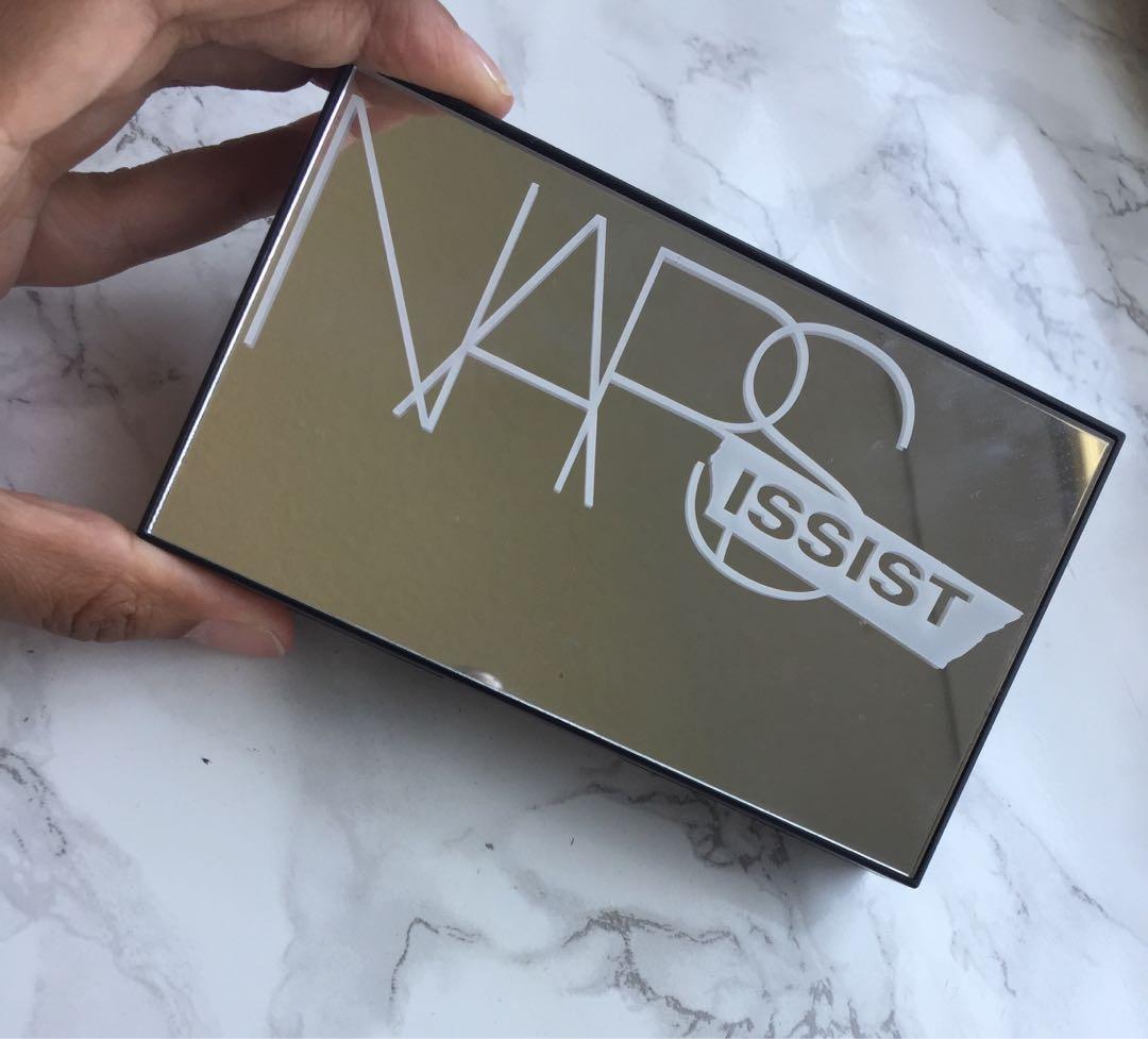 NARS matte/shimmer eyeshadow palette