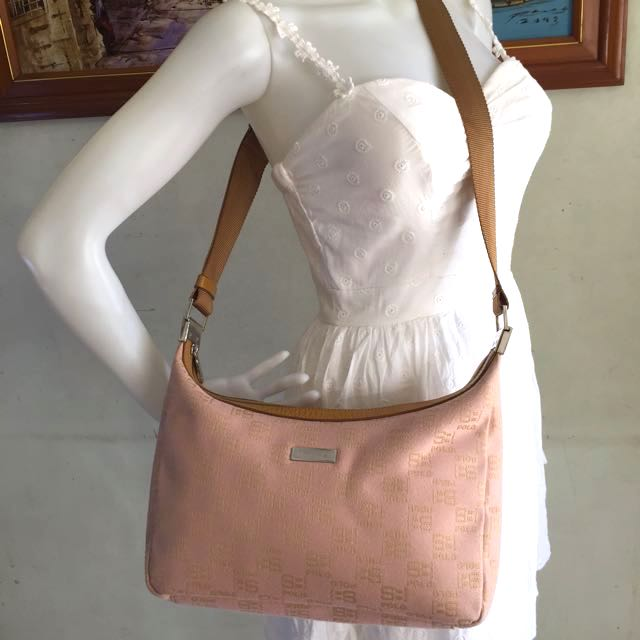 249cc7f15a2 SBPRC Santa barbara Polo Racquet Club Sling Bag, Women s Fashion, Bags    Wallets on Carousell