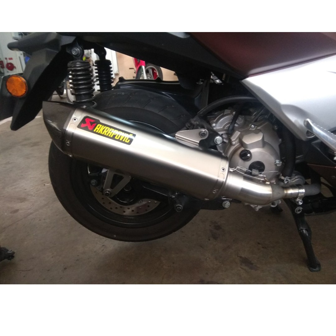Yamaha XMAX with Akrapovic Exhaust (LTA Approved