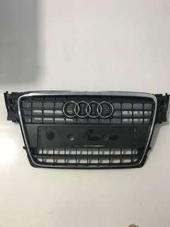 Audi A4 B8 front grille (Original Audi)