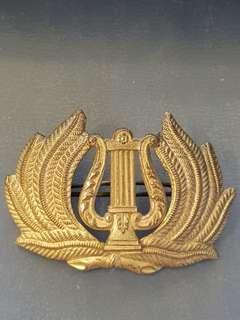 Genuine original rare WW2 British Army Bandsman Musicians (Bandmaster) military band cap badge