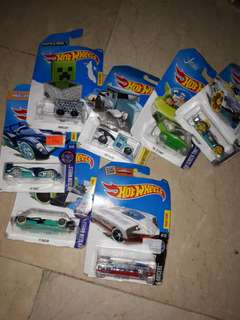 Set of 7 hotwheels glow,xray,etc